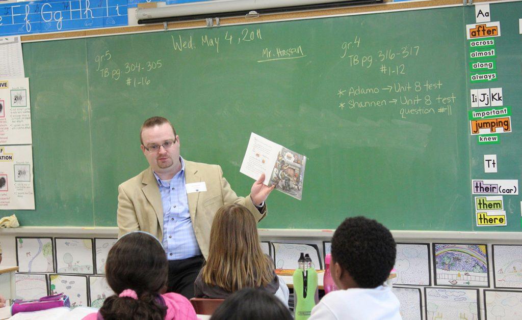 Stephen Blais reading to children